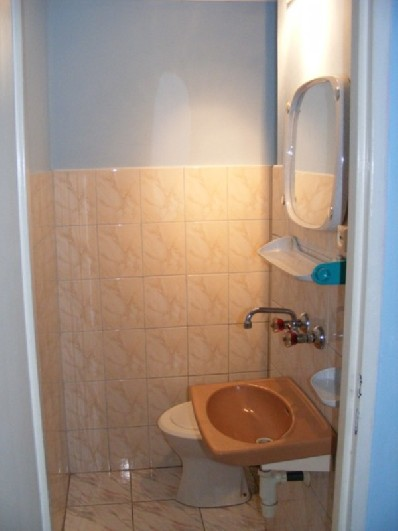 Łazienka w pokoju 3-osobowym