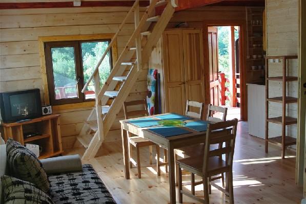 Domek z wiekszym salonem